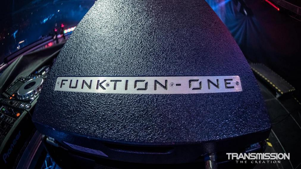 Transmission 2015 with Vero from Funktion One